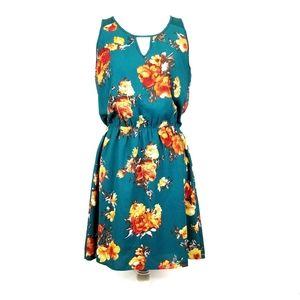 41 Hawthorn Floral Dress